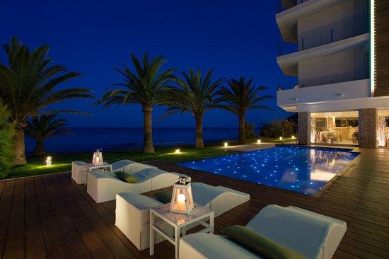 Mel Beach Hotel & Spa: PISCINA