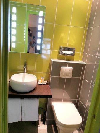 Hotel la Residence : salle de bain chambre 42