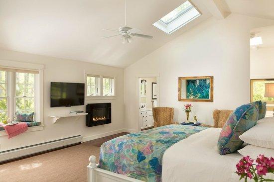 Inn at Sunrise Point: The Thaxter Loft