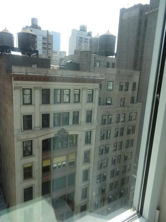 SpringHill Suites New York Midtown Manhattan/Fifth Avenue: View from the room