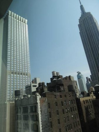 SpringHill Suites New York Midtown Manhattan/Fifth Avenue: View from Room