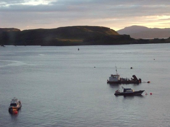 Bay Great Western Hotel: evening view from the room window