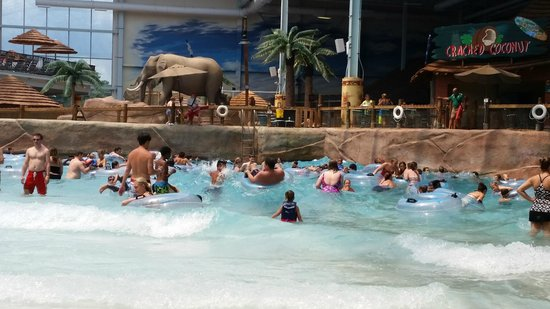 Kalahari Resorts & Conventions: Wave pool