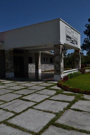 Hotel Refugio de Montana: Front