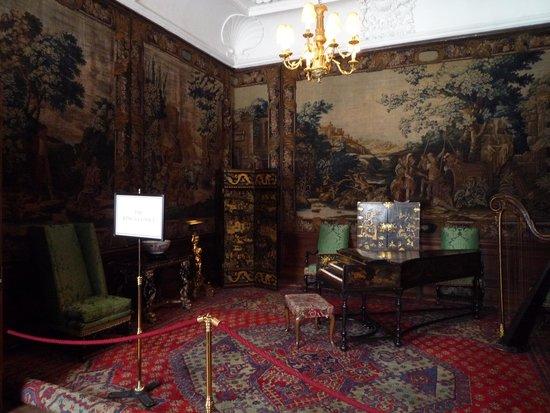 Palace of Holyroodhouse: во дворце