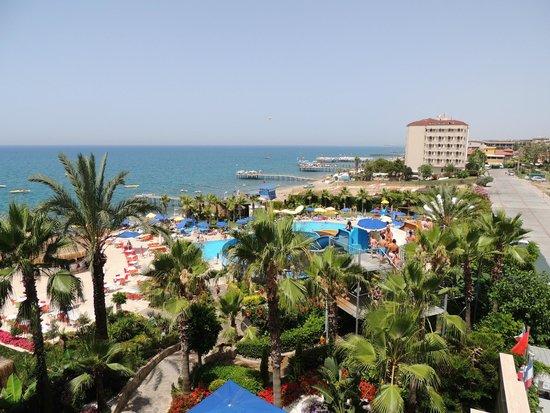 Hotel Mirador Resort & Spa: вид из номера первого корпуса