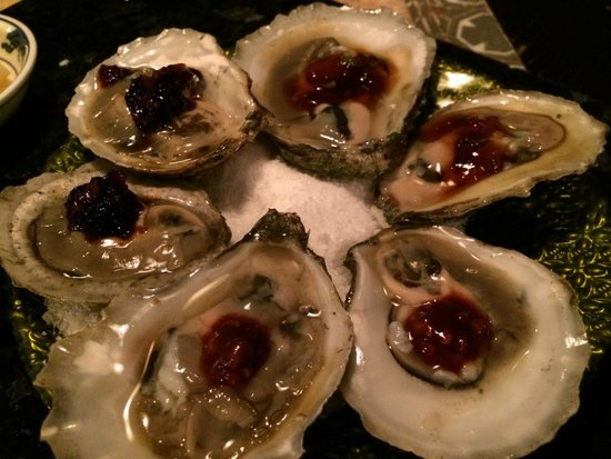 Desnuda: oysters on the half shell