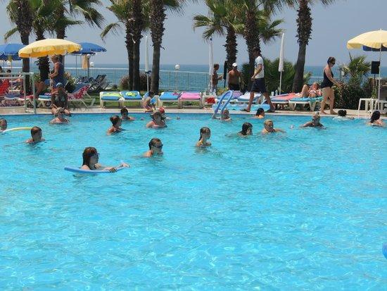 Hotel Mirador Resort & Spa: аквааэробика была очень интересная