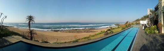 Canelands Beach Club and Spa: panorama from pool - nothing between you and the sea