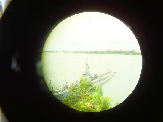 USS Bowfin Submarine Museum & Park: Looking Through a Scope..!