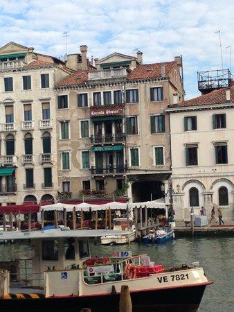 Locanda Ovidius: Hotel Ovidius from across the canal
