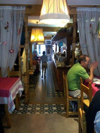 EL Pasaje de Los Nobles: Interior del local