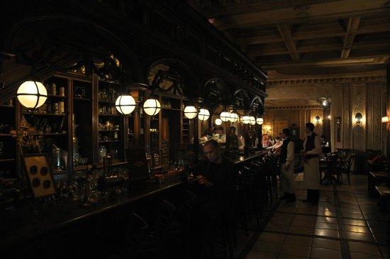 Café Pushkin : Bar en rez de chaussée