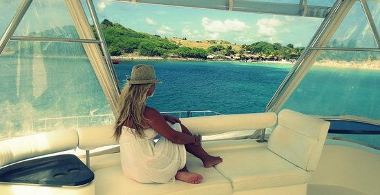 Private Yacht Charter SXM : Arriving at Pinel