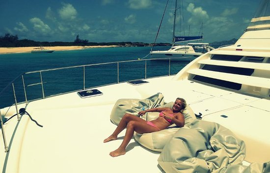 Private Yacht Charter SXM : Relaxing on board