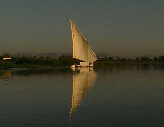 Jolie Ville Hotel & Spa - Kings Island, Luxor: Felucca  just leaving the Hotel harbour