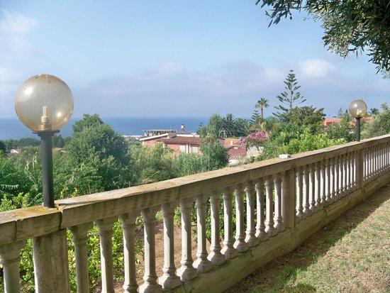 Residence Hotel La Taverna: Vista dall'alloggio
