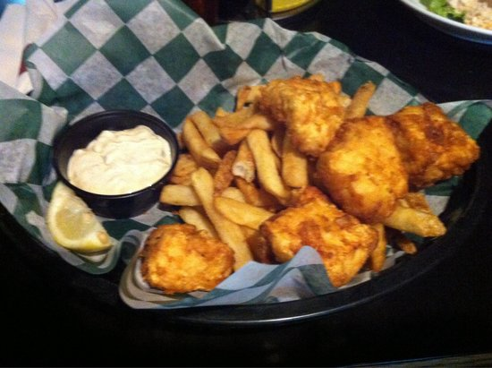Humpy's Great Alaskan Alehouse: Halibut Fish and Chips