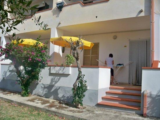 Residence Hotel La Taverna: Depandance vista mare