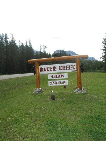 Baker Creek Mountain Resort: Baker Creek Sign