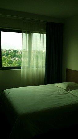 Appart'City Bordeaux Centre : Façade verte fenêtres vert luminosité verte! Sans trucage c promis