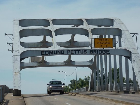 Birmingham Civil Rights Institute : Edmund Pettus Bridge-Bloody Sunday