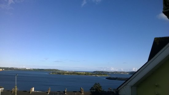 Bella Vista Hotel & Self Catering Suites: View of Spike Island from our balcony
