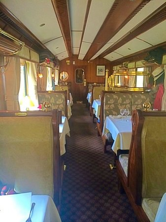 Hiram-Bingham-Luxuszug: The dining car
