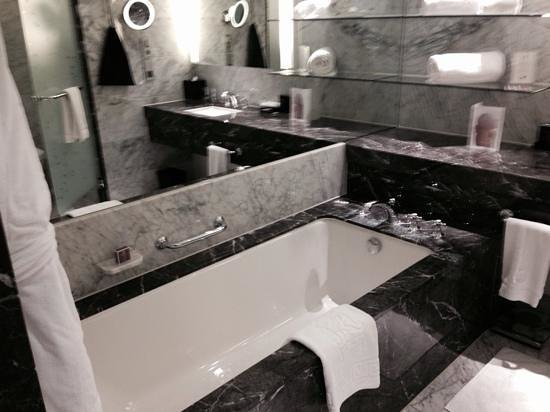 The Ritz-Carlton, Vienna: łazienka