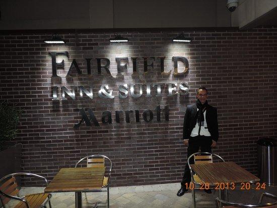 Fairfield Inn & Suites New York Manhattan/Chelsea: Entrada do Hotel