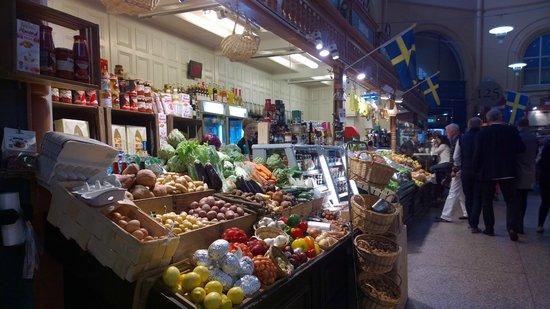 Östermalm Saluhall: Fruit, Veg, Nuts