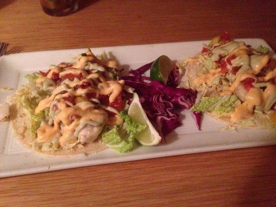 Victor's Restaurant: Fish tacos