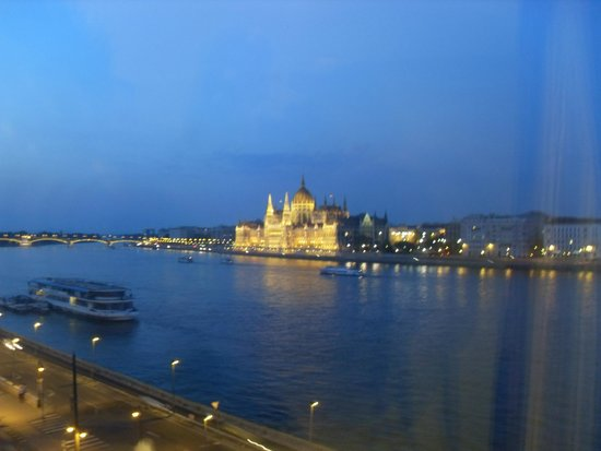 Boutique Hotel Victoria Budapest: Parlament