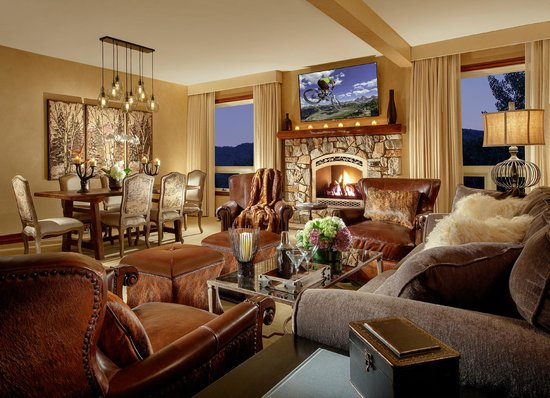 Rustic Inn Creekside Resort and Spa at Jackson Hole: Spa Suite Living Area