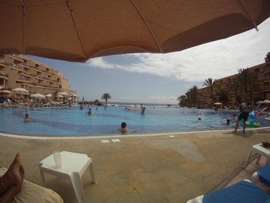ClubHotel Riu Buena Vista: Infinity pool