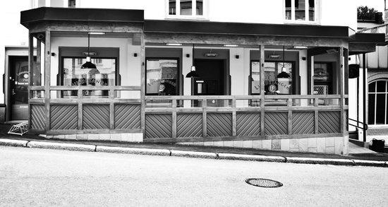 Lundetangen Pub
