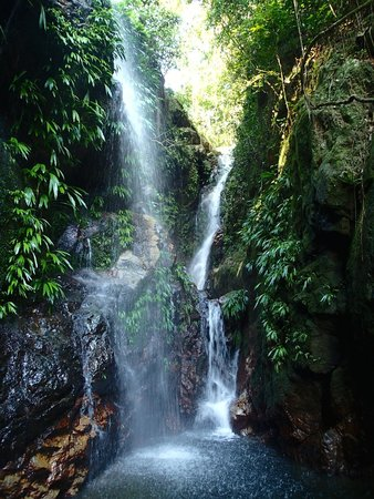 Las Cascadas Lodge: Top waterfall on the lodge property