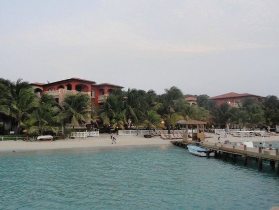 Infinity Bay Spa and Beach Resort: Infinity Bay Resort  Roatan BayIisland Honduras
