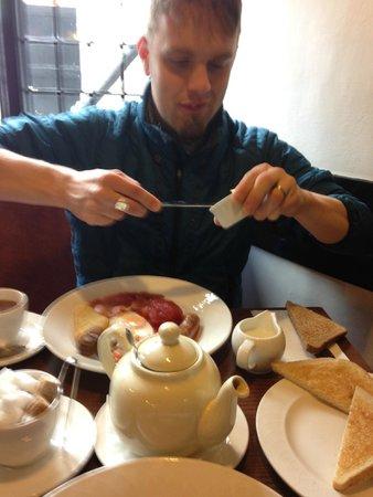 Hathaway Tea Rooms: Hubby digging in to breakfast!