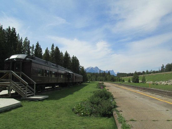 Lake Louise Station Restaurant : The Old Railroad Car & The Tracks