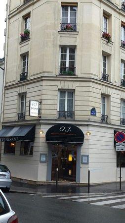 OJ Restaurant: Front door