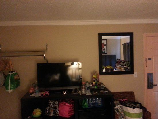 Days Inn Seaside Heights/Toms River: TV IN ROOM