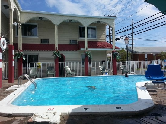 Days Inn Seaside Heights/Toms River: POOL ARES