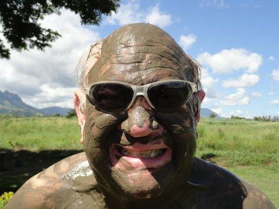 Sabeto Hot Springs and Mud Pool: Mud in your eye!