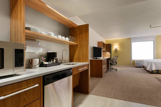 Home2 Suites by Hilton Denver West - Federal Center: One Queen Accessible Studio