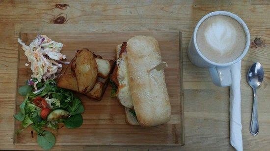 Cafe Eighteen: Hunters hot sandwich