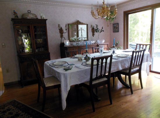 Blueberry Ridge Bed and Breakfast : Dining Room