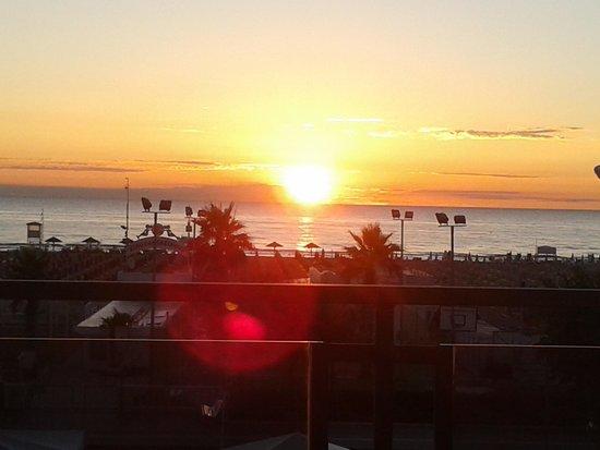 Ferretti Beach Hotel : 5h37