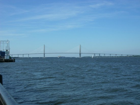 Charleston Waterfront Park: Vista del puente