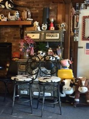 Wood's Creek : Cow Collection on antique stove